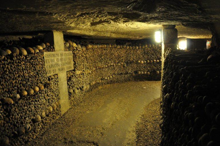 Visite des Catacombes à Paris avec un guide conférencier