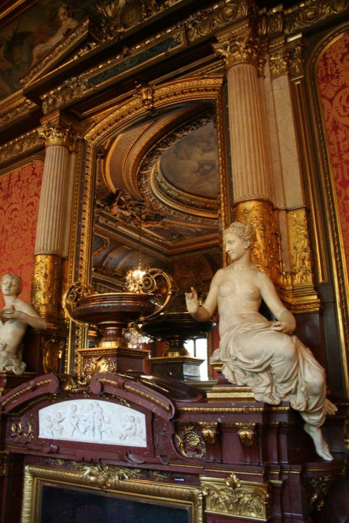 Découvre l'hôtel de la Païva sur les Champs Elysées à Paris